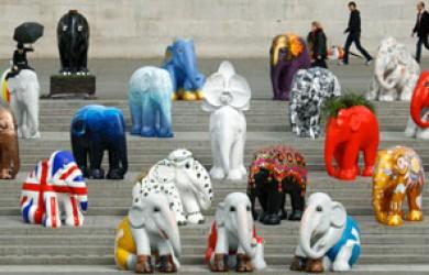Her ses de britiske elefanter