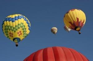 En tur i luftballon er den perfekte romantiske gave