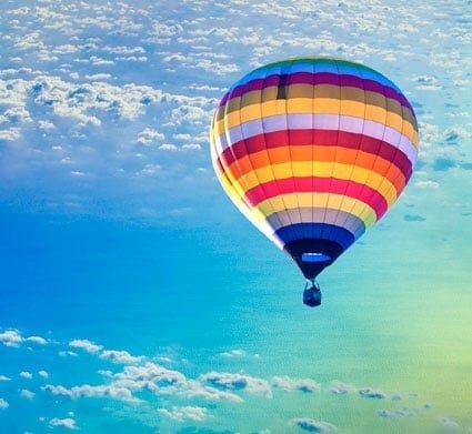 En tur i luftballon er en romantisk oplevelse