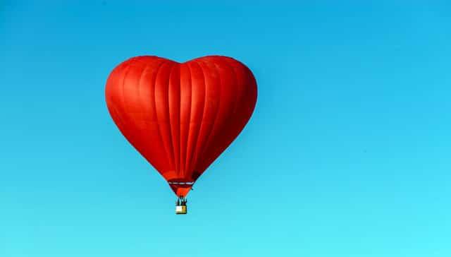 Det er sikkert at flyve i luftballon