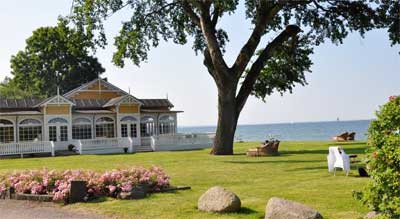 Ballebro Færgekro i Sønderjylland ligger smukt ved havet