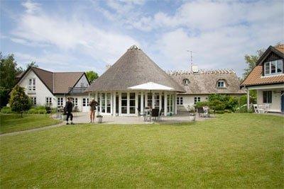 Havgaarden Badehotel ligger i den rolige by Vejby Strand