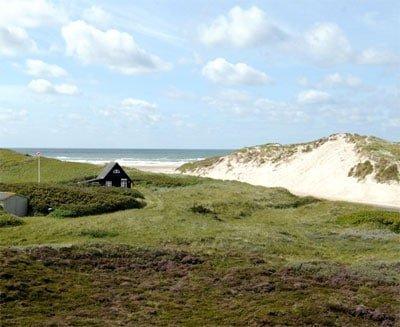 Henne Mølle Å Badehotel har en smuk udsigt til havet