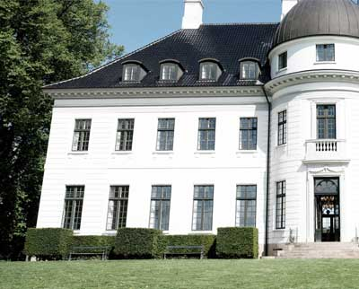 Bernstorff Slot tilbyder ophold på Sjælland