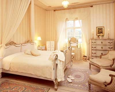 Broholm Slot har smukke værelser på hotellet