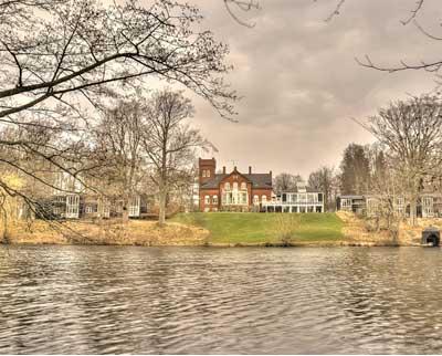 Indviter din kæreste på ophold på Havreholm Slot