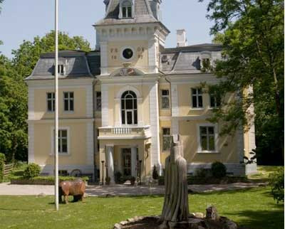 Liselund ny Slot ligger på Møn