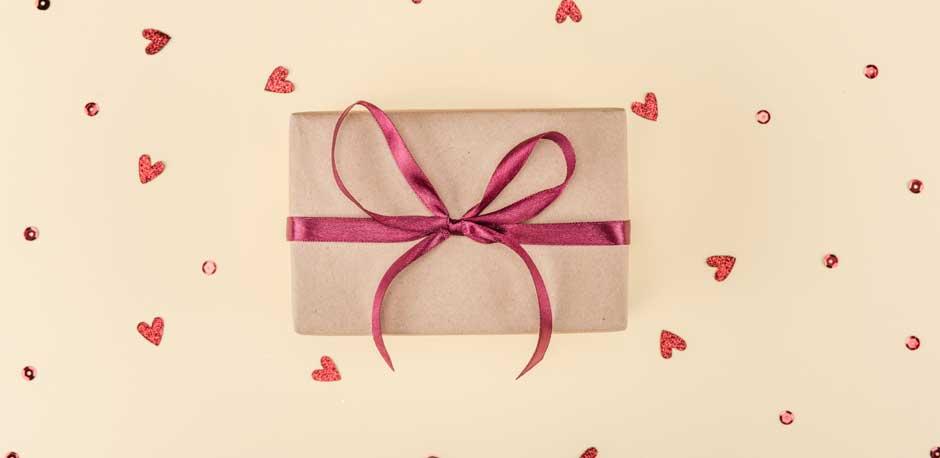 Flot gaveindpakning er prikken over i'et