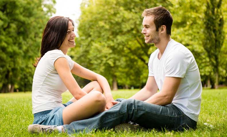 Par der snakker sammen